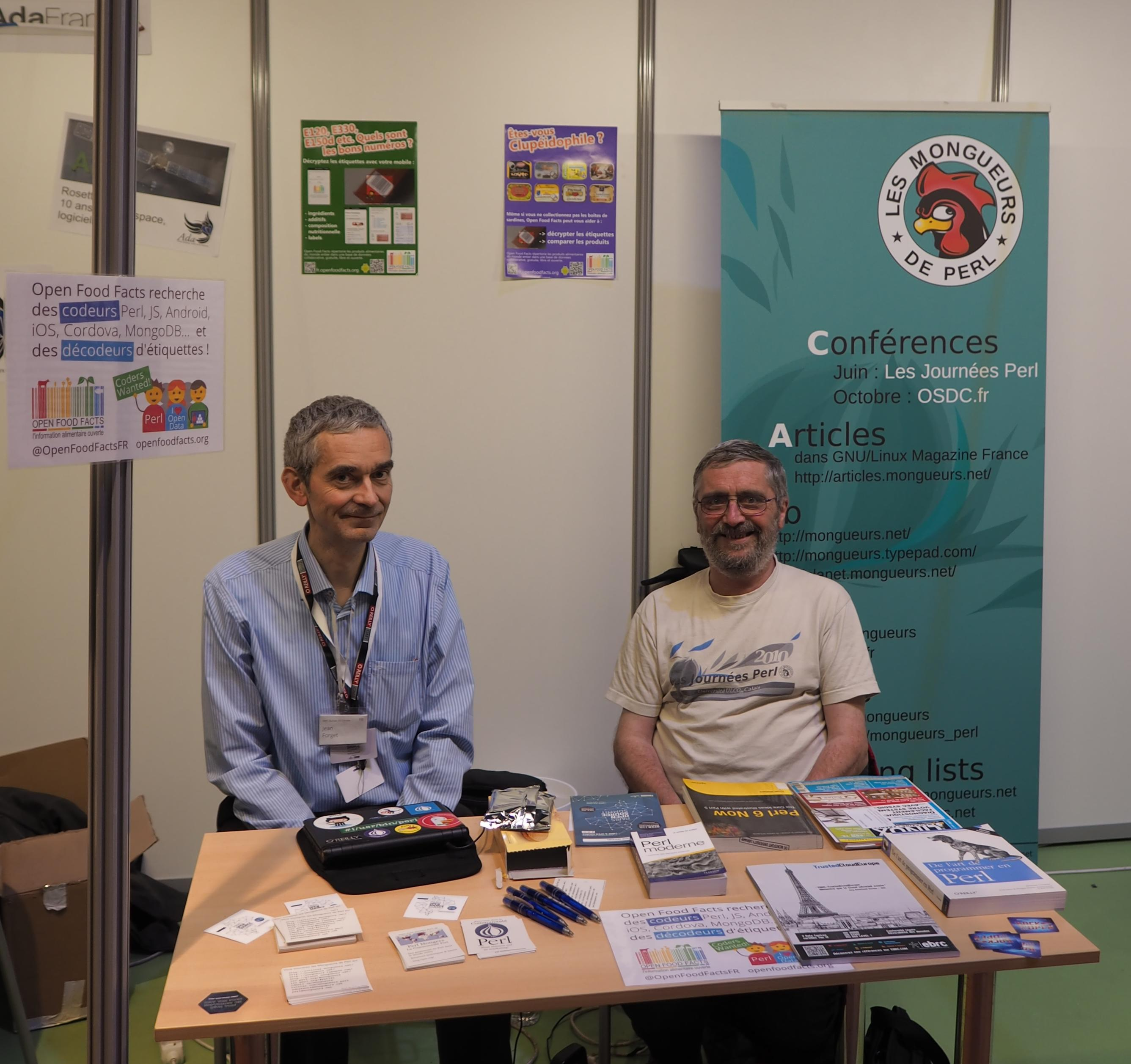 Stand des mongueurs de Perl au village associatif du Paris Open Summit